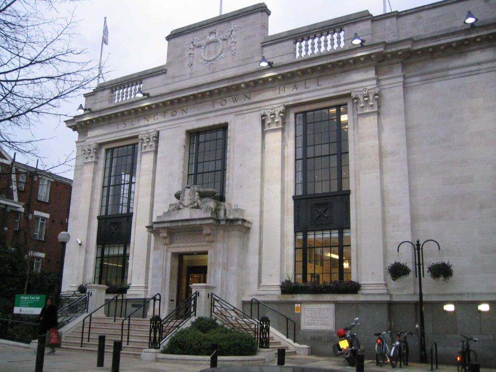 Islington Town Hall (credit Alan Ford/Wikimedia)